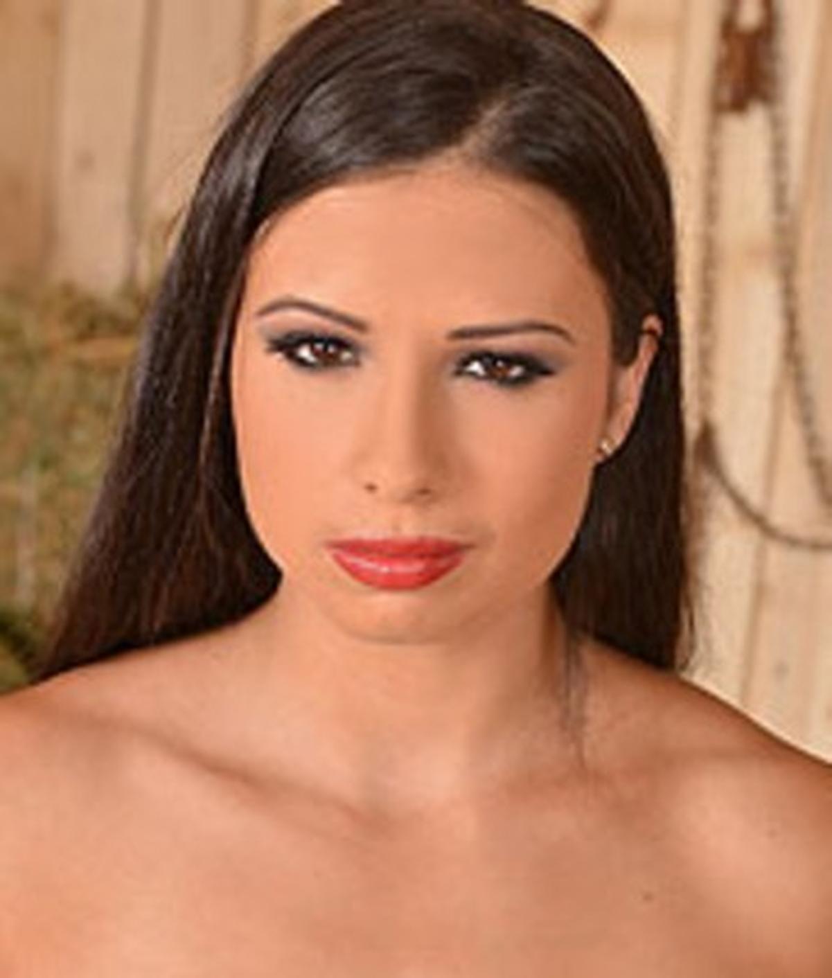Big tits brunette Mira Cuchold is enjoying a big cock in her cunt № 629267 без смс