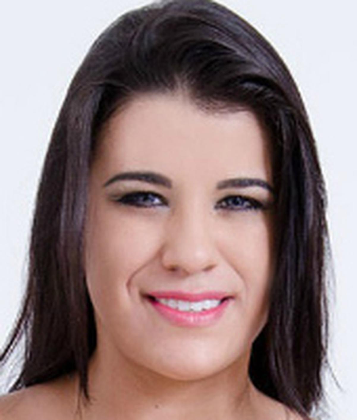 Aline Rios Nude Photos 81