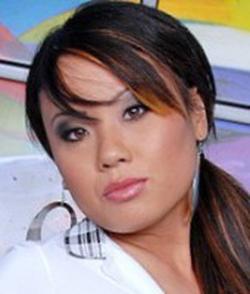Holly Woo wiki, Holly Woo bio, Holly Woo news