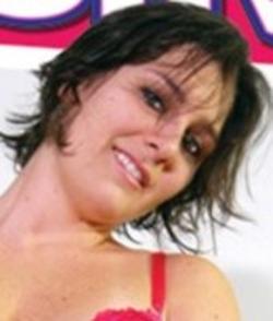 Chloe Bond wiki, Chloe Bond bio, Chloe Bond news