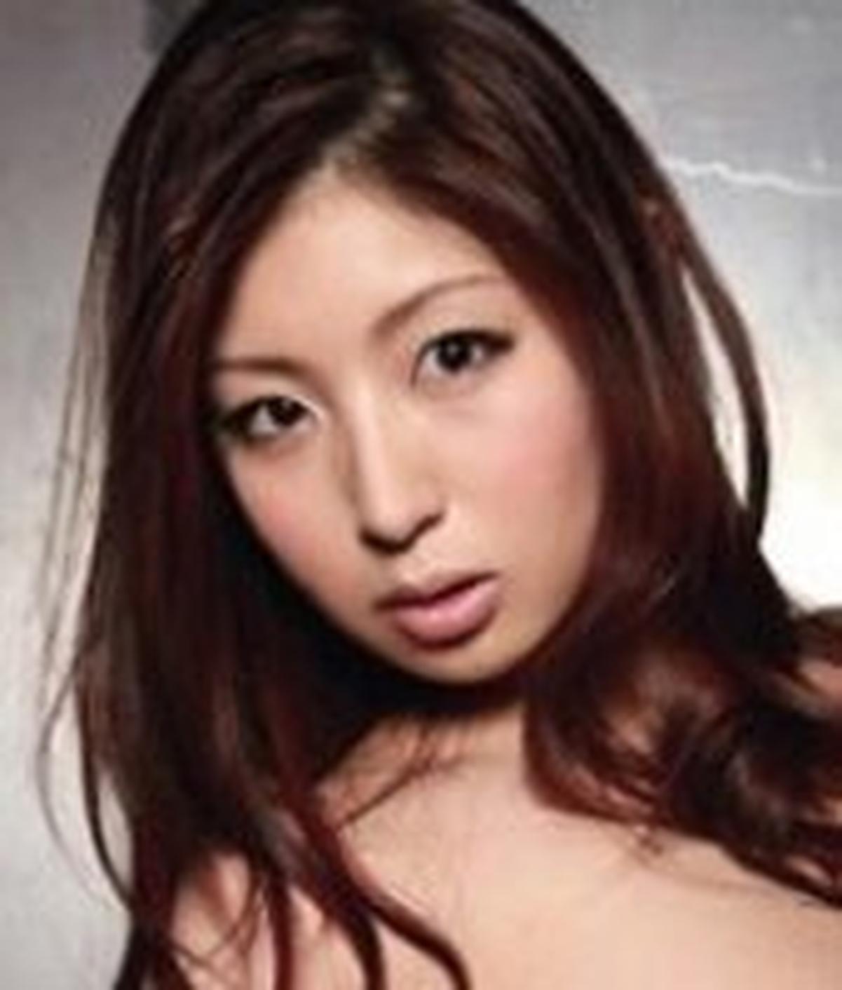 Hina Akiyoshi