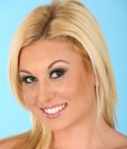 Roxy Summers wiki, Roxy Summers bio, Roxy Summers news