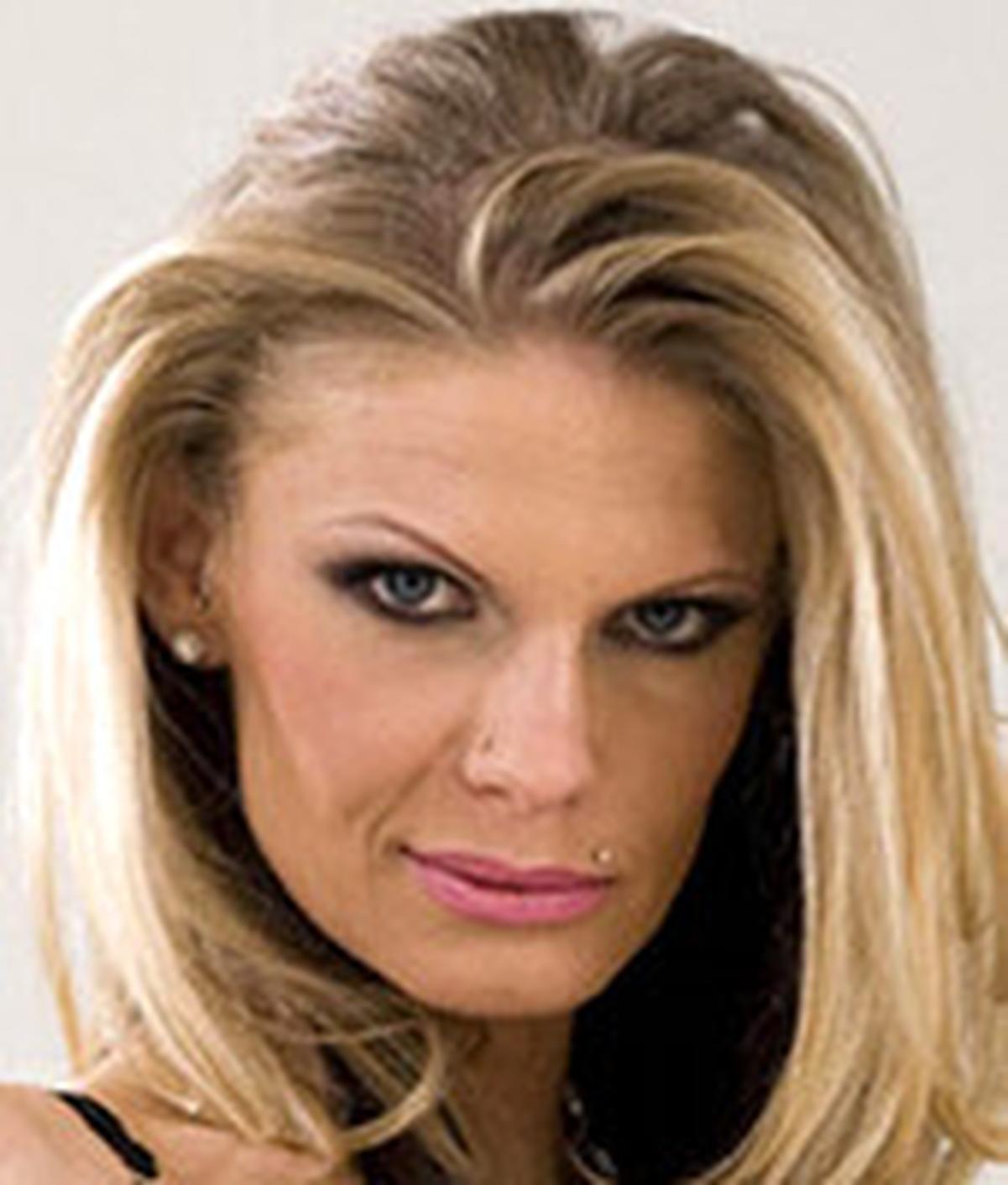 Lulu Lüstern Wiki & Bio - Pornographic Actress
