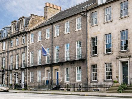 Travelodge: Edinburgh Central Queen Street Hotel