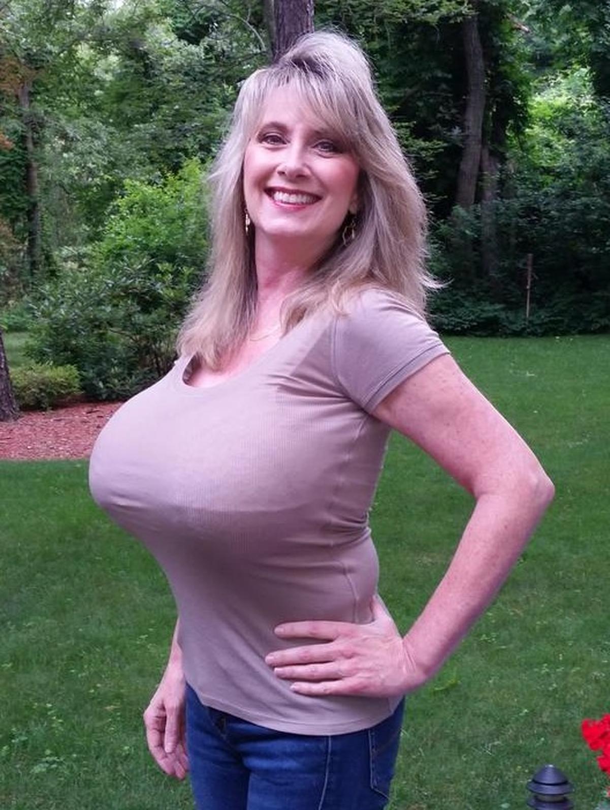 Large Nude Mature Women
