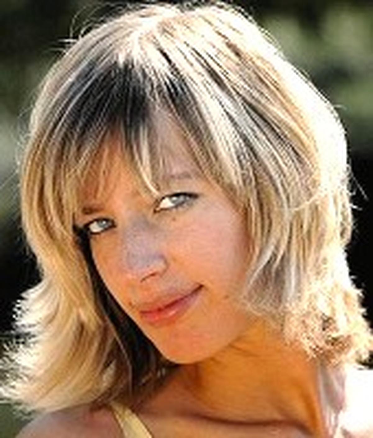 Bella Morgan Nude Photos 24