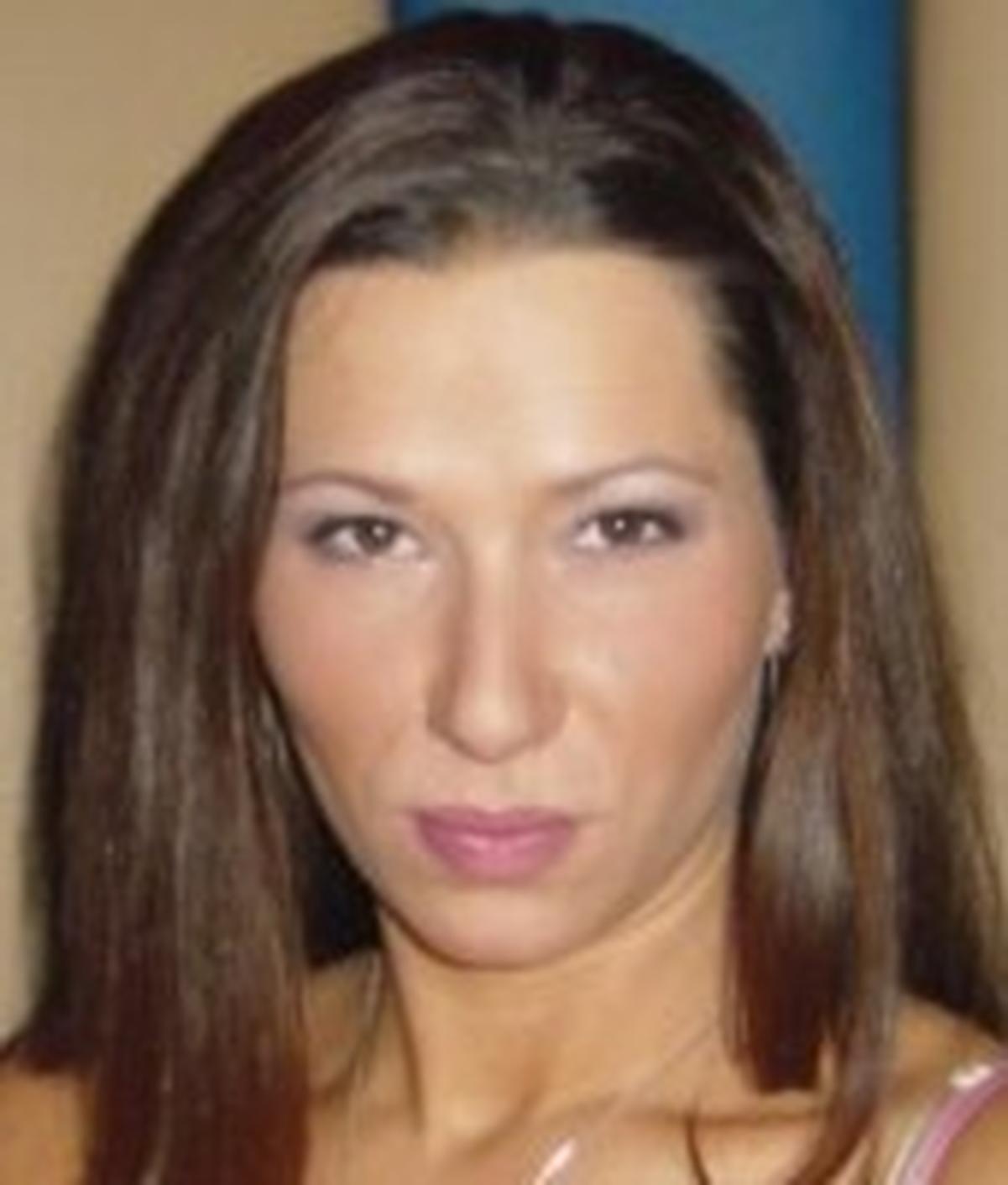 Alexandra Belle