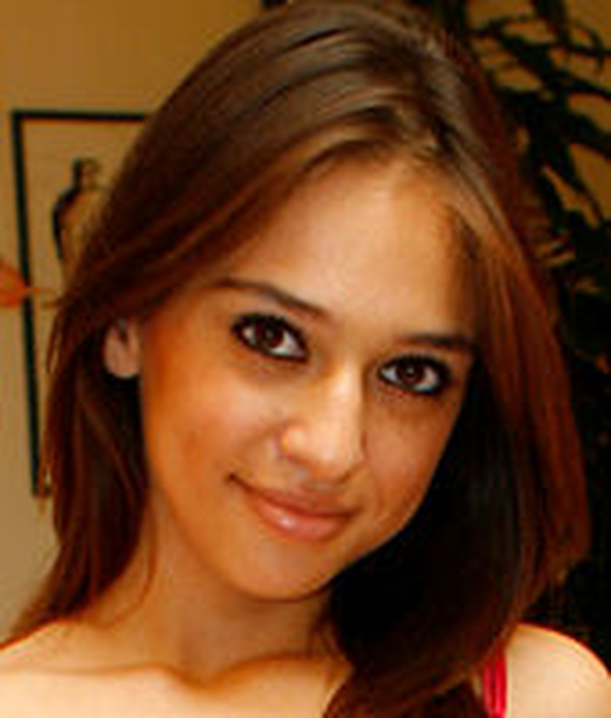 Sara luvv age
