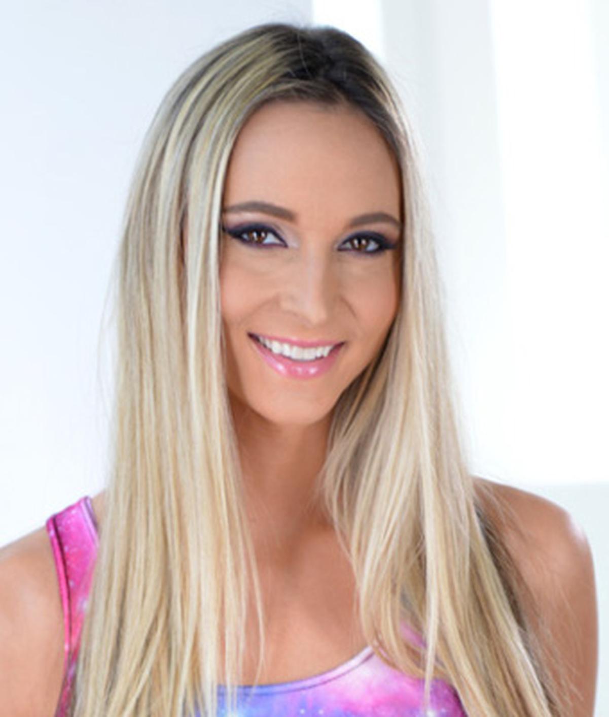 Allie Knox