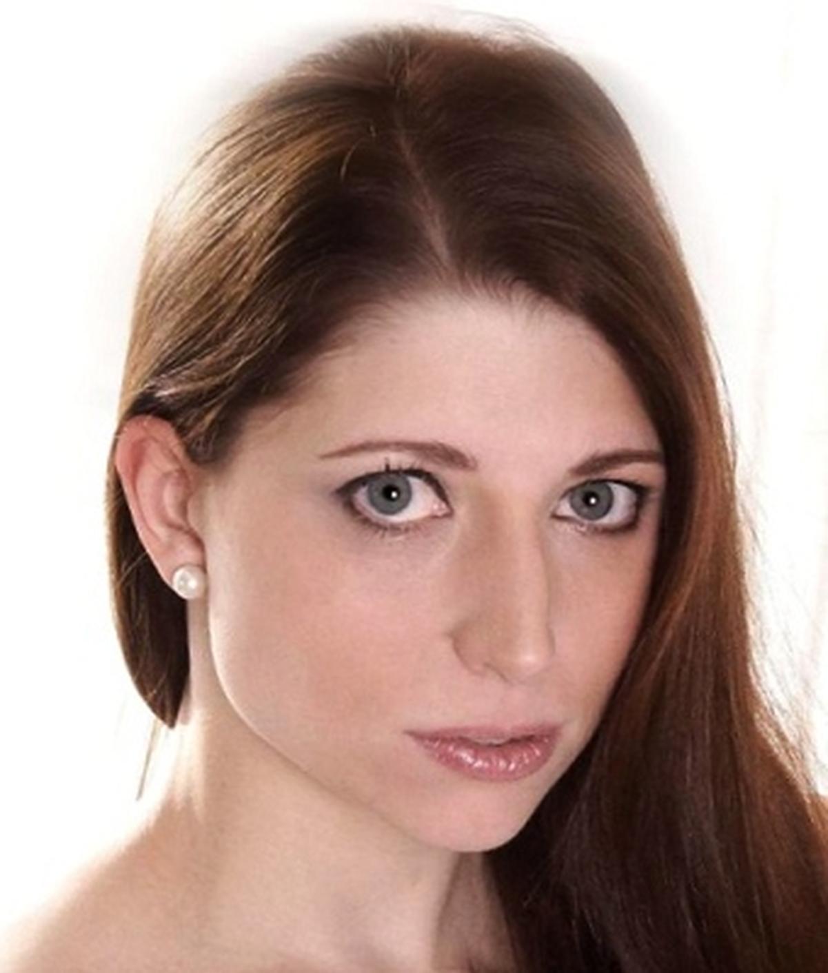 Natalie Bisous