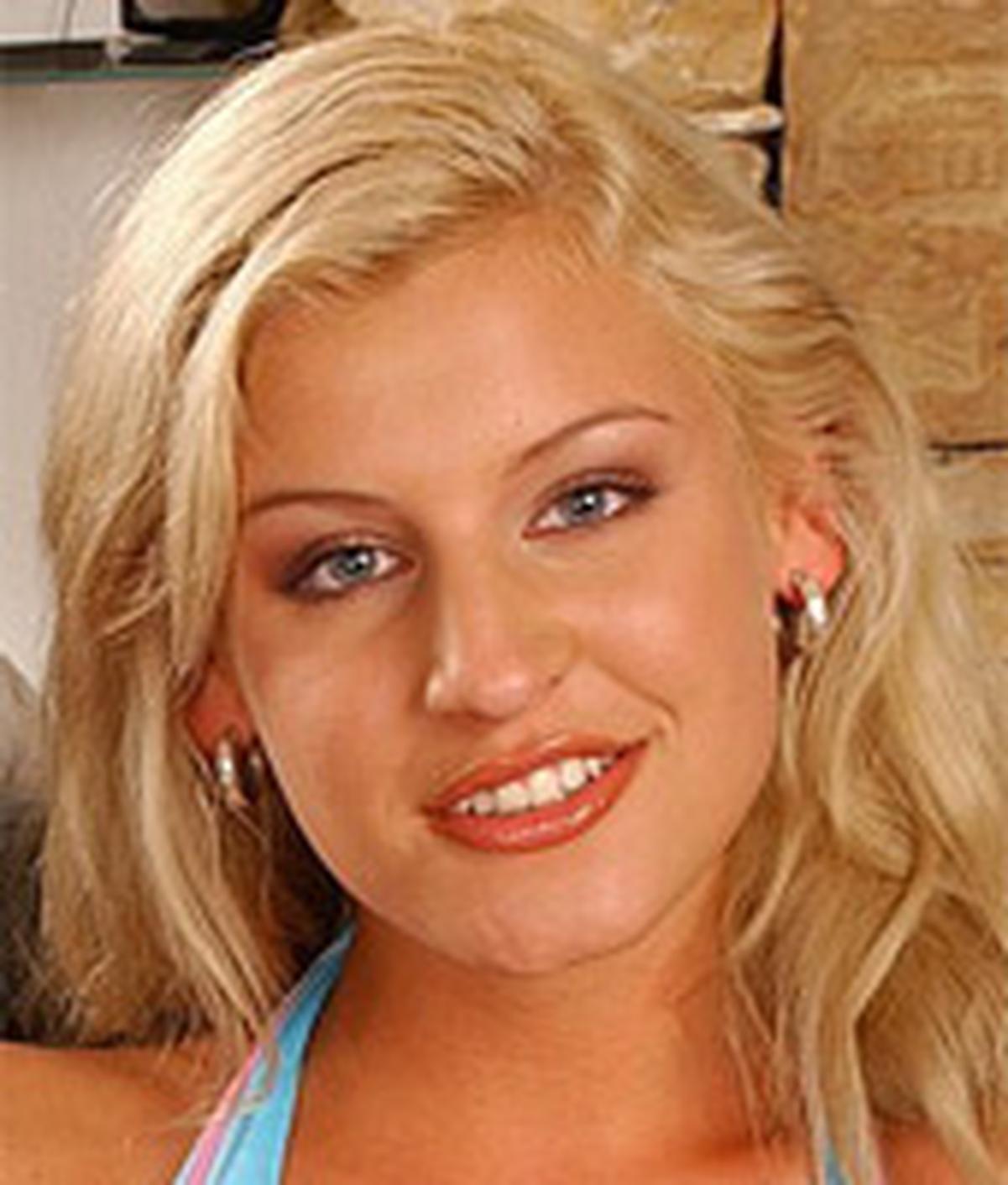 Kristina Blonde wiki, Kristina Blonde bio, Kristina Blonde news