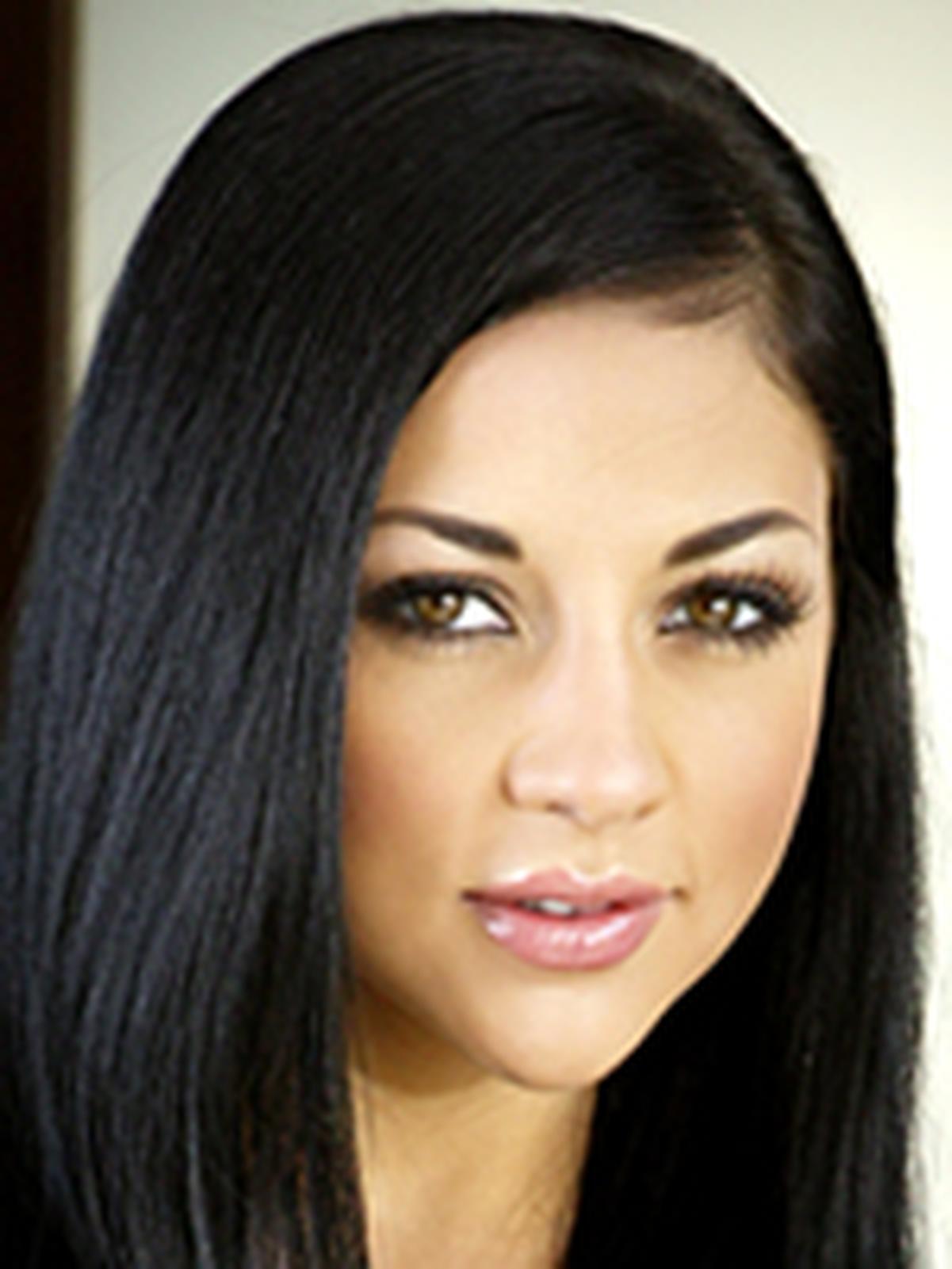 Audrey Bitoni  Wiki  Everipedia-4681