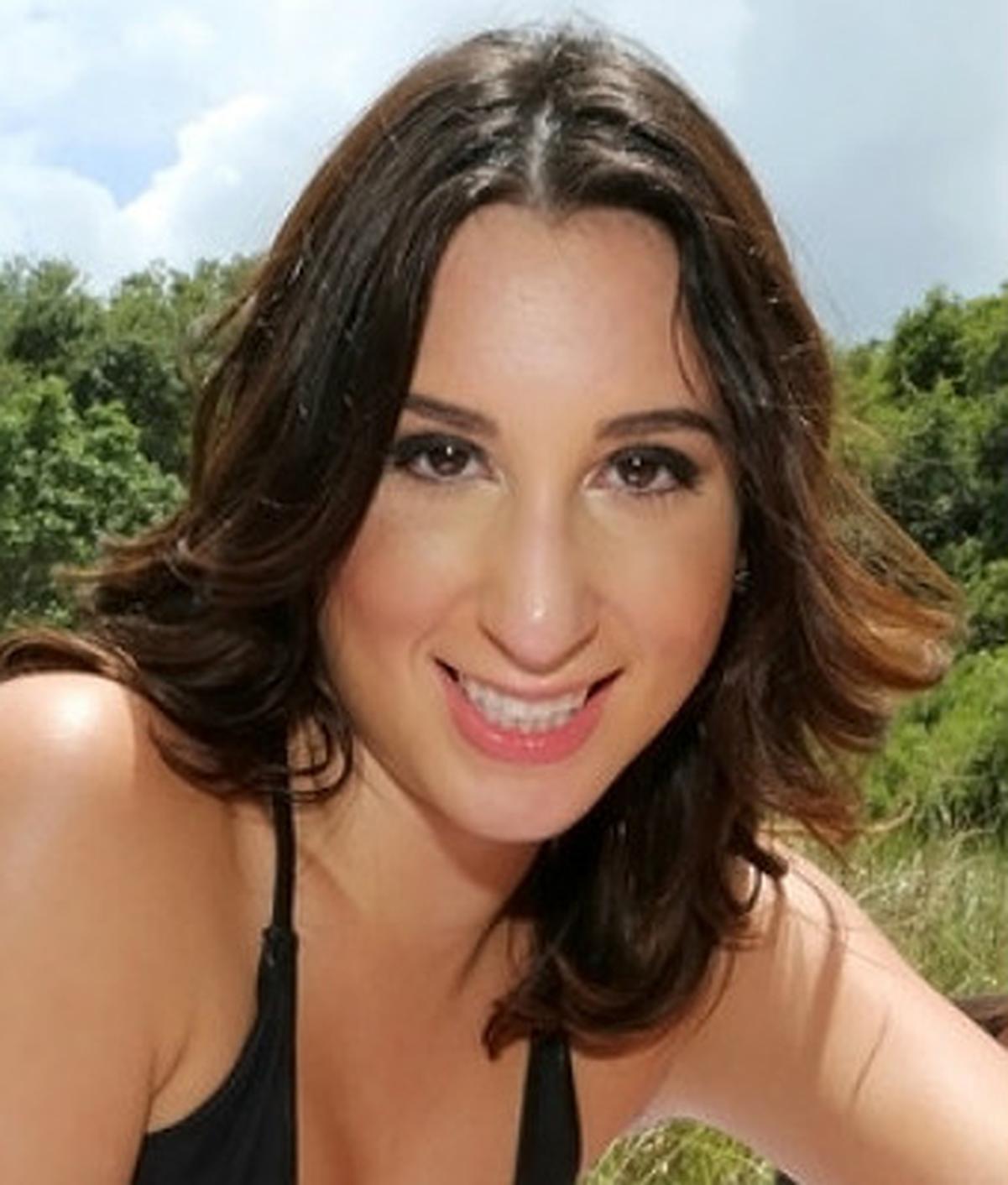Victoria Roxx