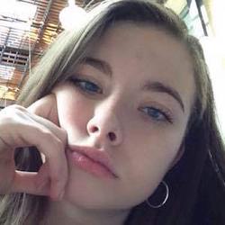 Chloe Woodard wiki, Chloe Woodard bio, Chloe Woodard news