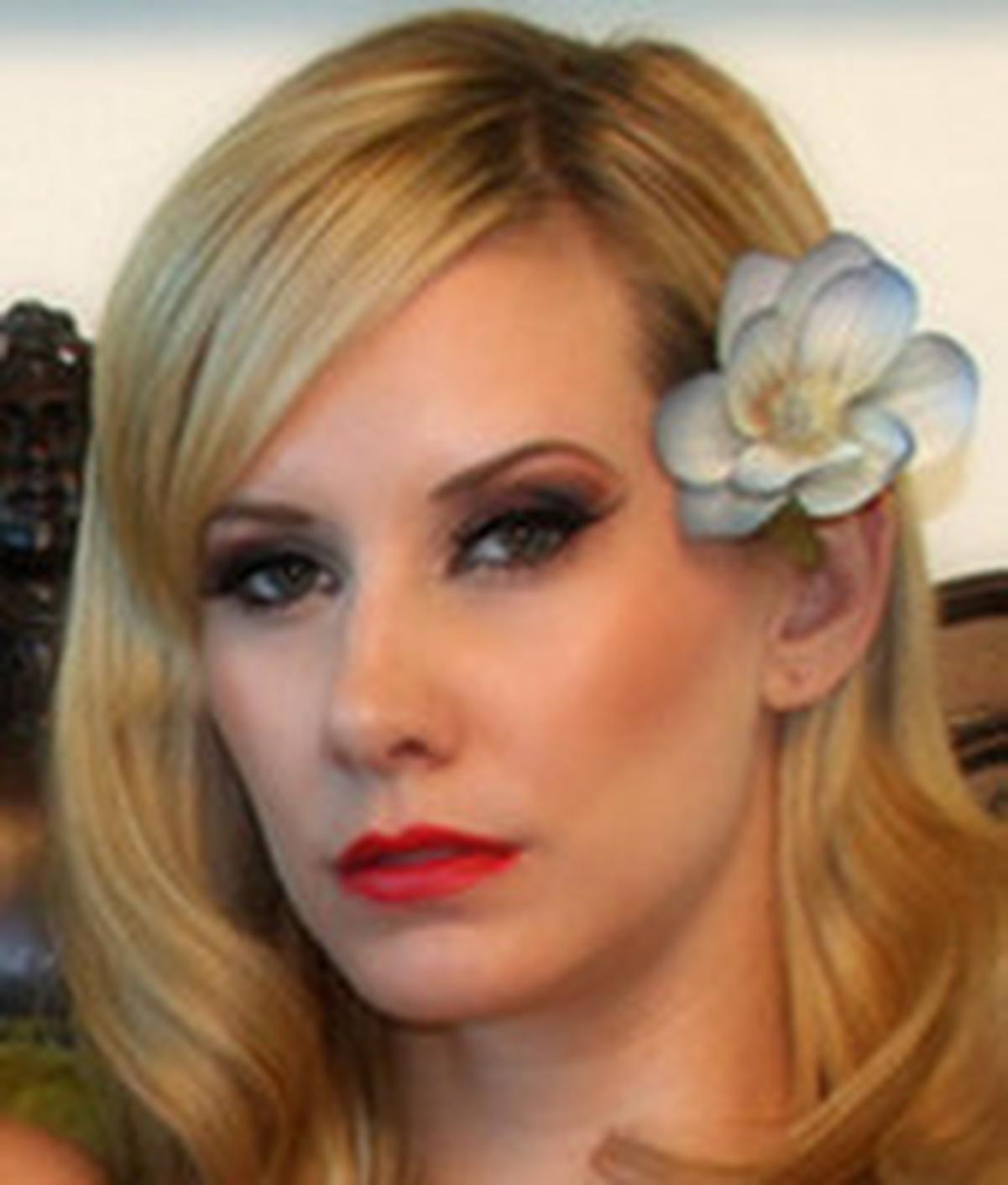 Maitresse Madeline Nude Photos 26