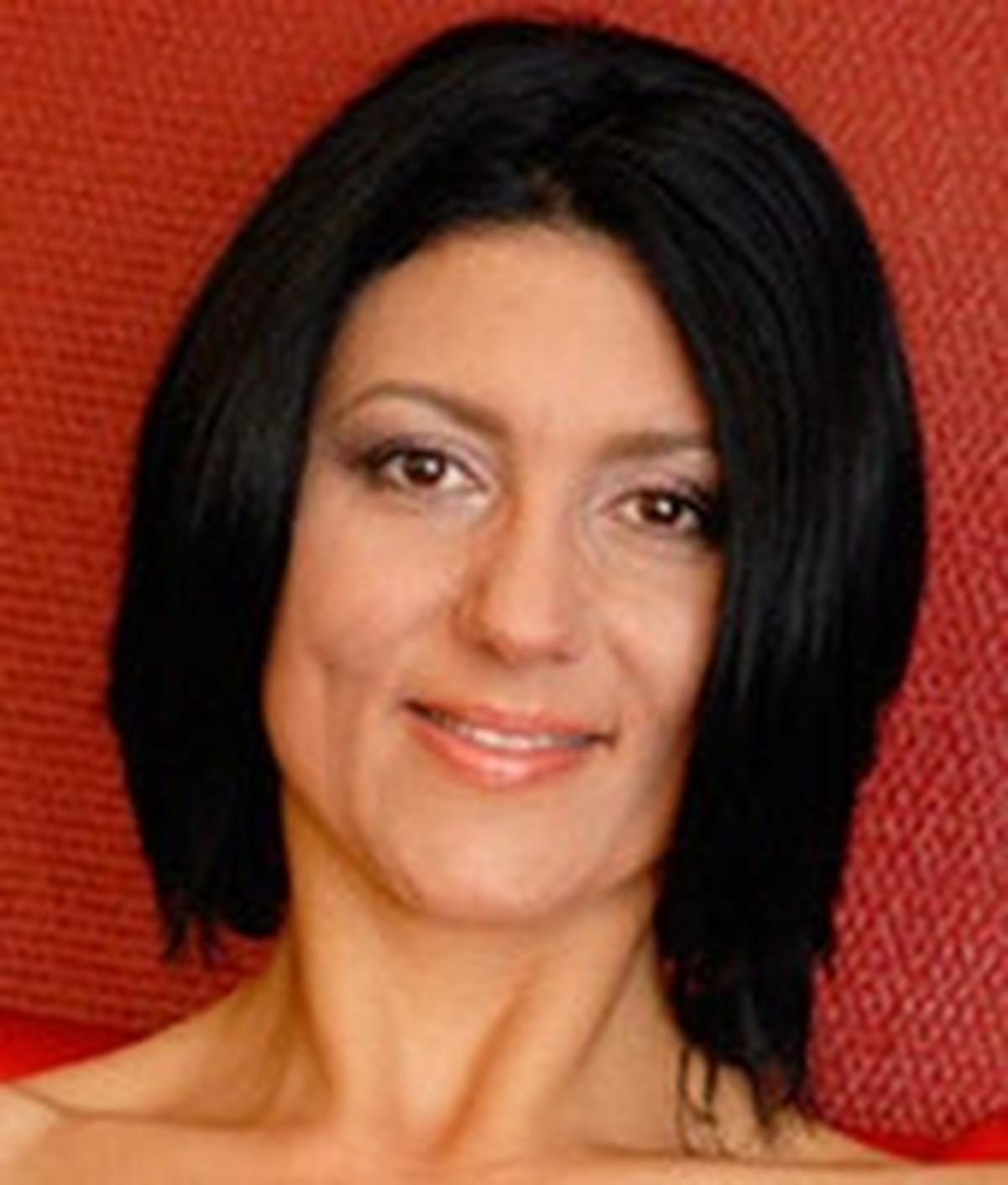 Clara Nylon