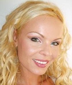 Justine gromada wiki bio everipedia - Justine diva futura ...