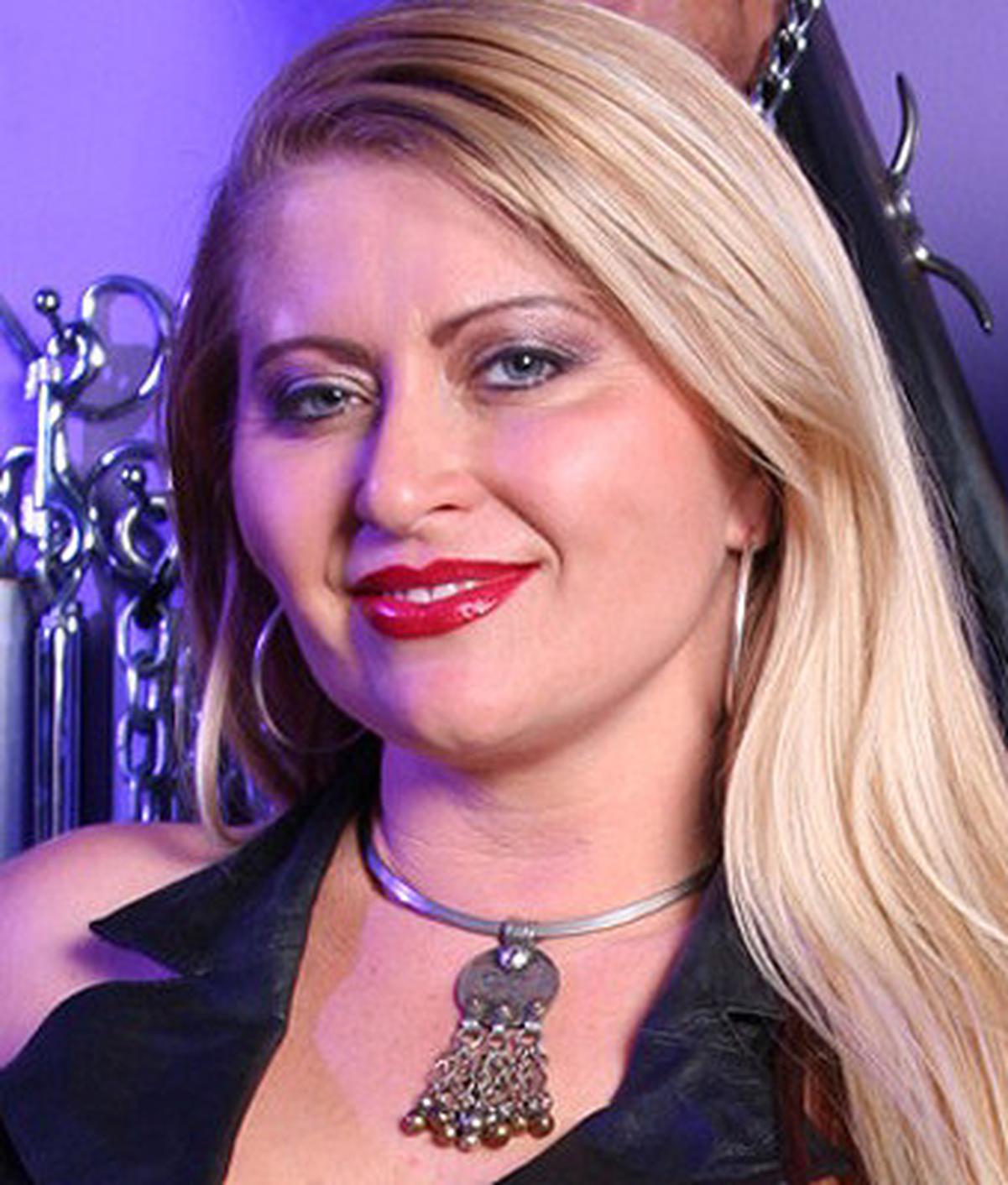 Mistress Nicolette wiki, Mistress Nicolette bio, Mistress Nicolette news