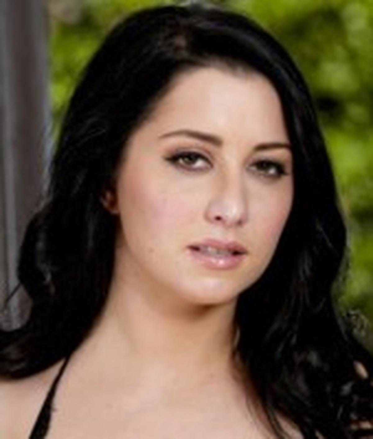 Allesandra Snow wiki, Allesandra Snow bio, Allesandra Snow news