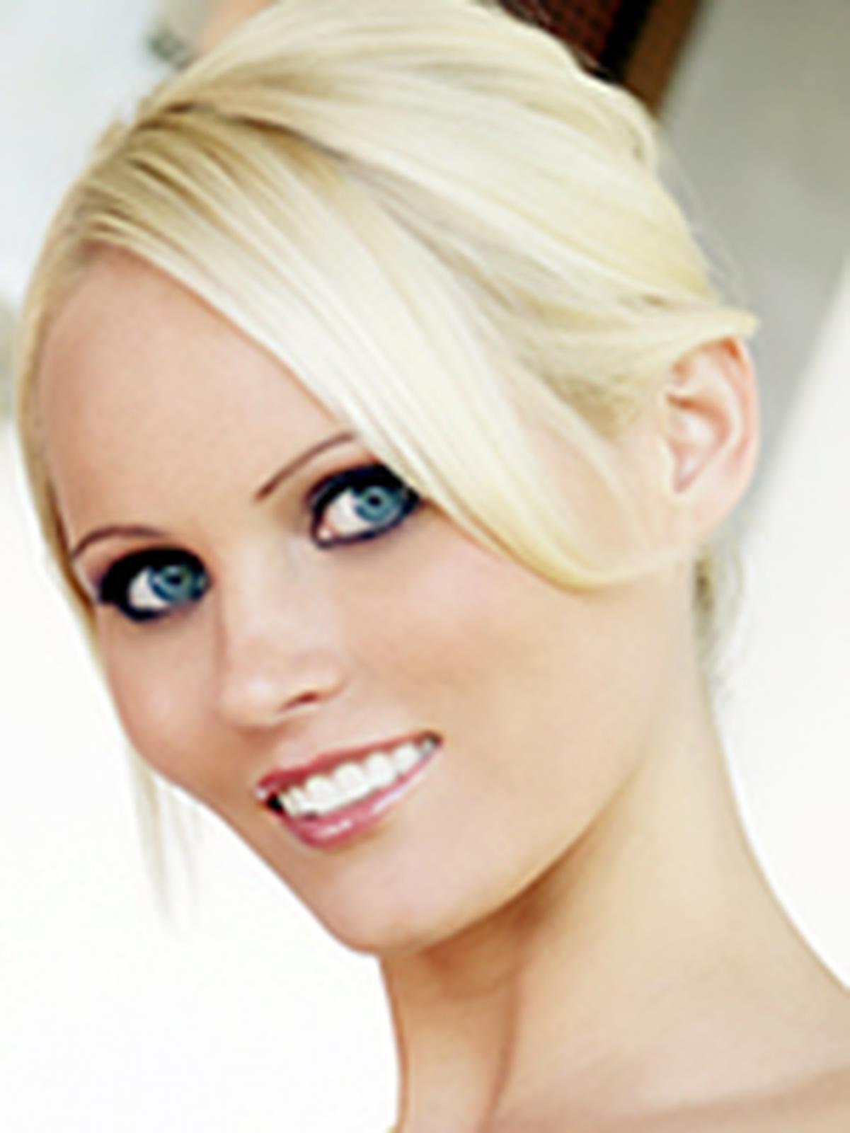 Hanna Hilton  Wiki  Everipedia-9206