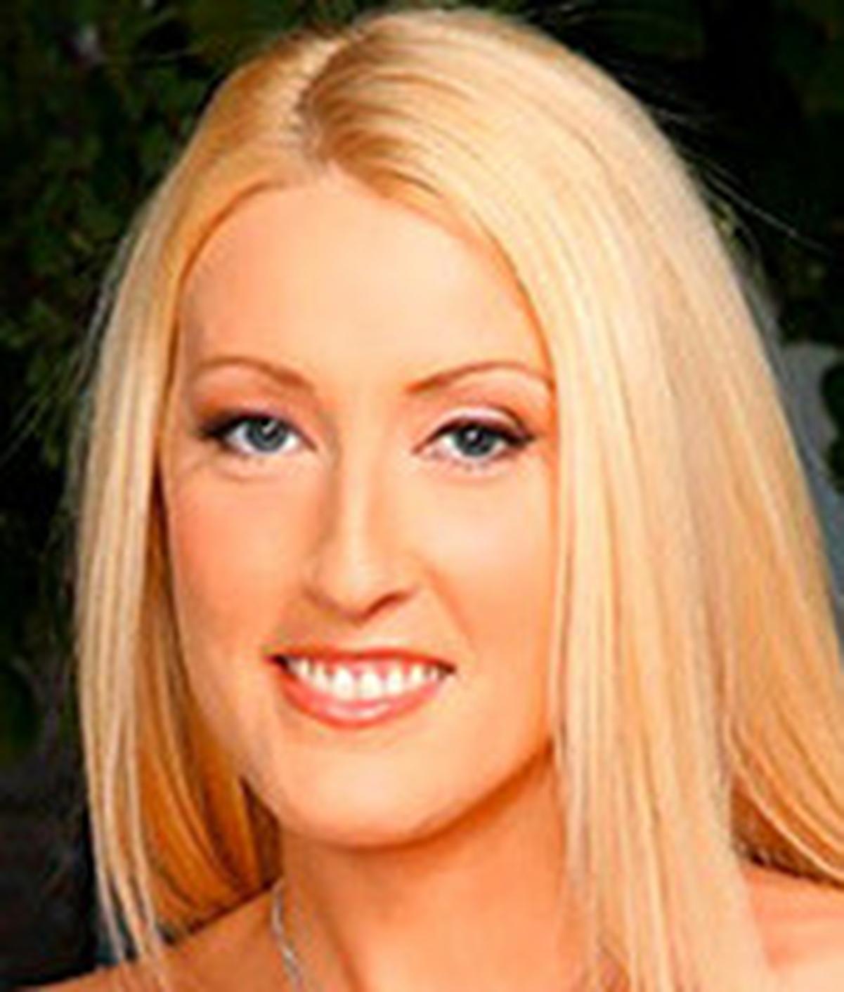 Amanda Logue Nude showing porn images for amanda logue sunny dae bdsm porn