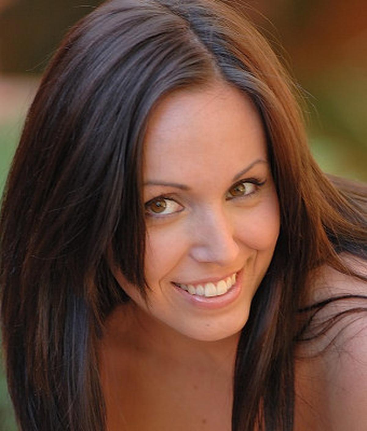 Raquel De Rossi wiki, Raquel De Rossi bio, Raquel De Rossi news