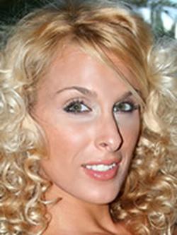 Holly Halston wiki, Holly Halston bio, Holly Halston news