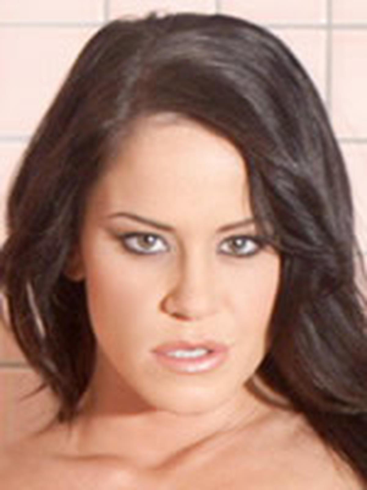 Savannah Stern Bio