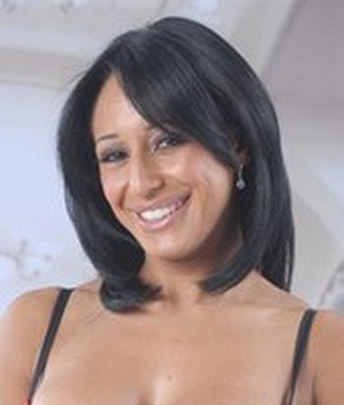 Faustine Lee wiki, Faustine Lee bio, Faustine Lee news