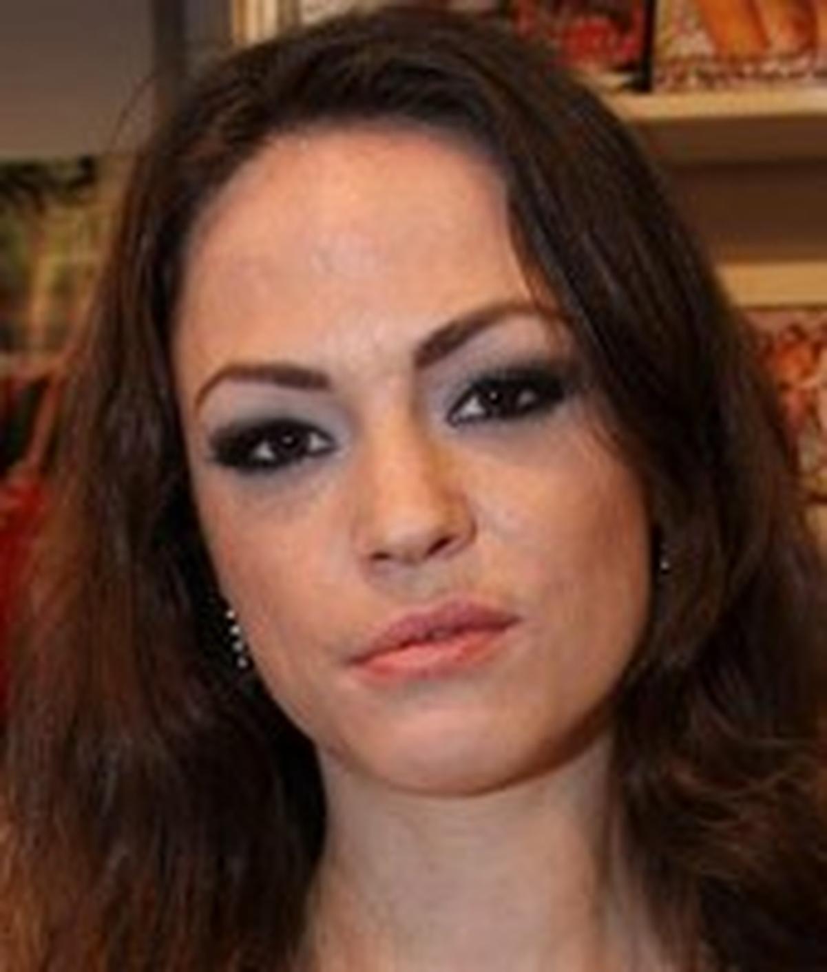 Leona Queen wiki, Leona Queen bio, Leona Queen news
