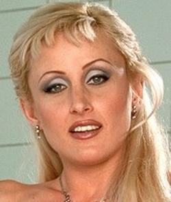 Zora Banx Wiki & Bio - Pornographic Actress