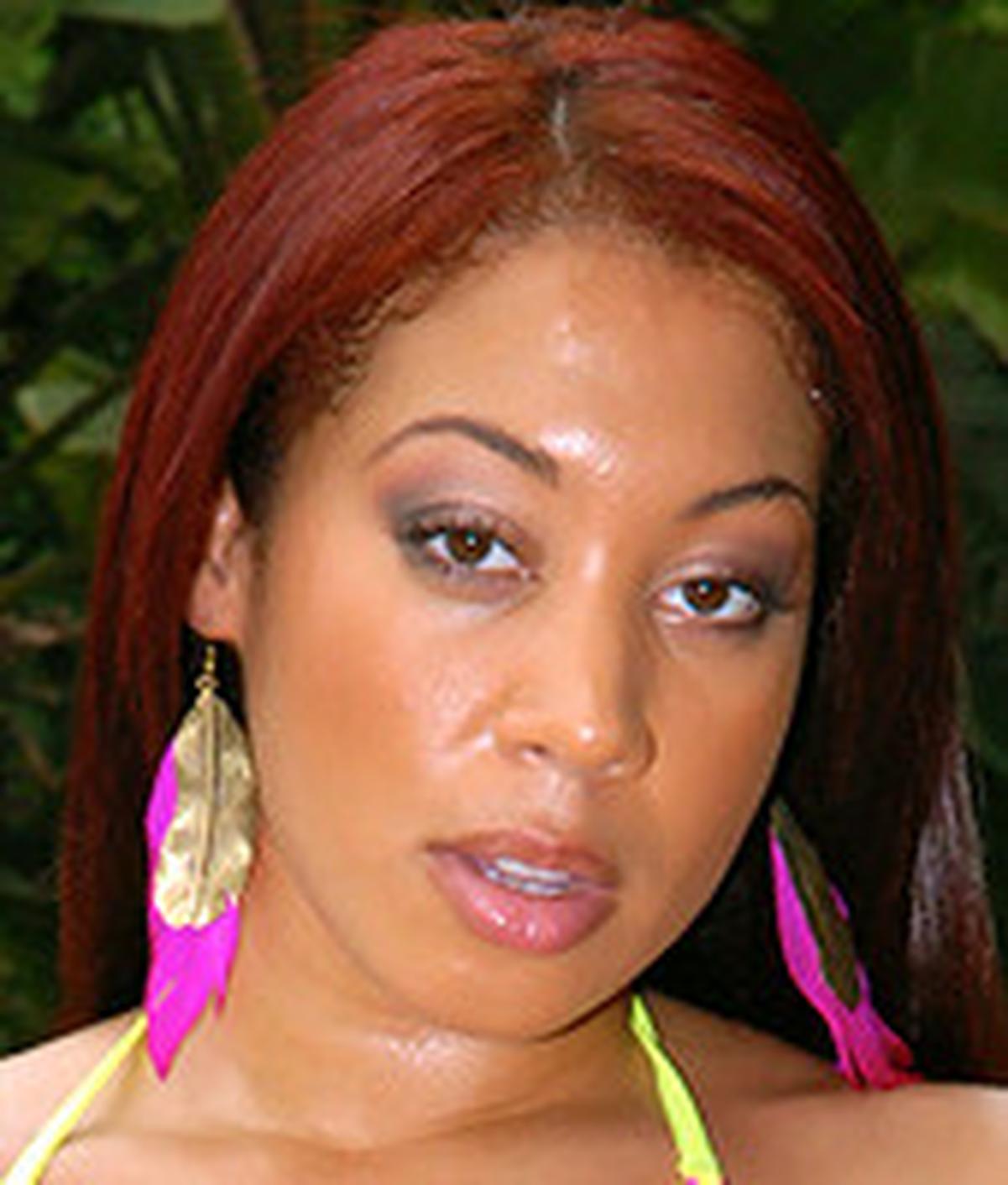 Kaylee Kisses