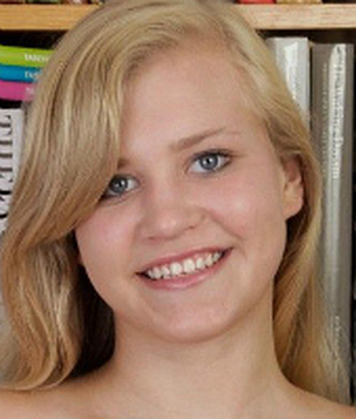 Roxy Lovette wiki, Roxy Lovette bio, Roxy Lovette news