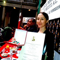 Eva Bartlett with an International Journalism Award