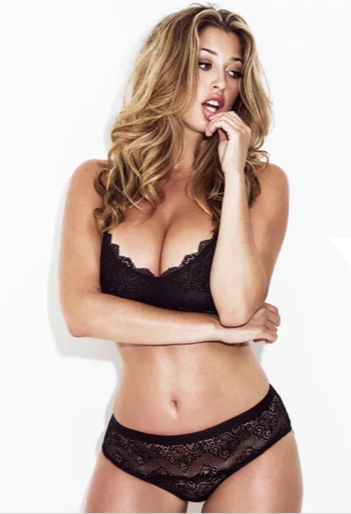 Lindsey Kevitch Nude Photos 25